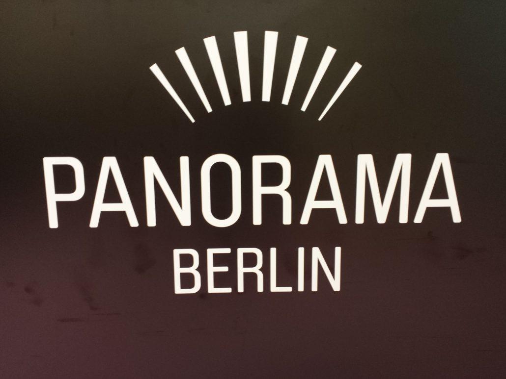 unser westy auf der fashion week 2015 old bulli berlin. Black Bedroom Furniture Sets. Home Design Ideas
