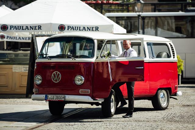 Old Bulli Berlin Vw Bulli T1 Oder Vw Bulli T2 Als Hochzeitsauto Mieten