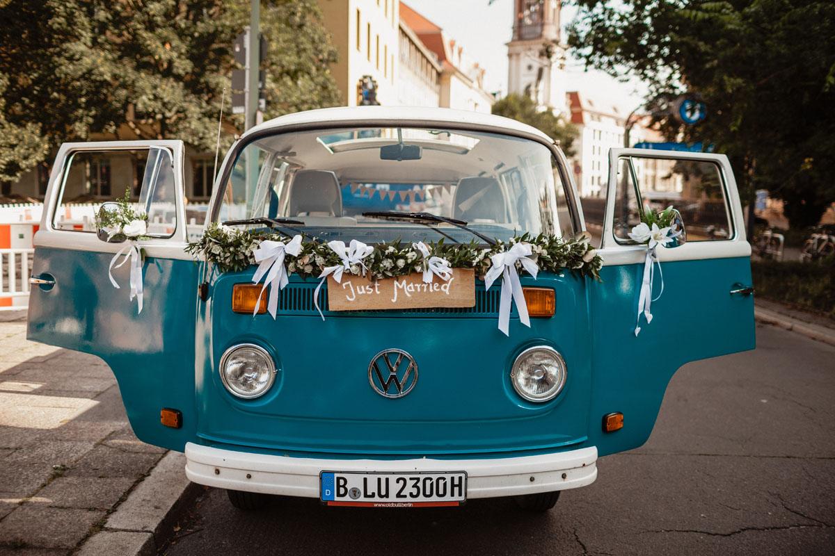 Hochzeitsauto blau Bulli Berlin VW Oldtimer