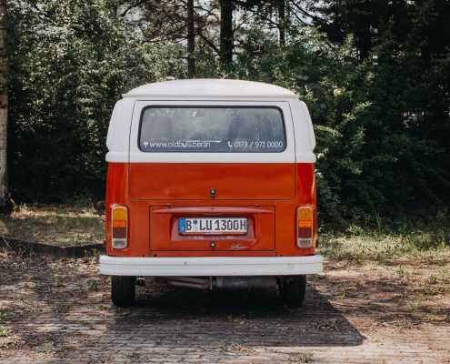 Old Bulli Berlin - Vermietung - Bulli mieten in Berlin - VW T2 mieten - T2 selber fahren - VW Bulli für Selbstfahrer - VW Bus leihen in Berlin