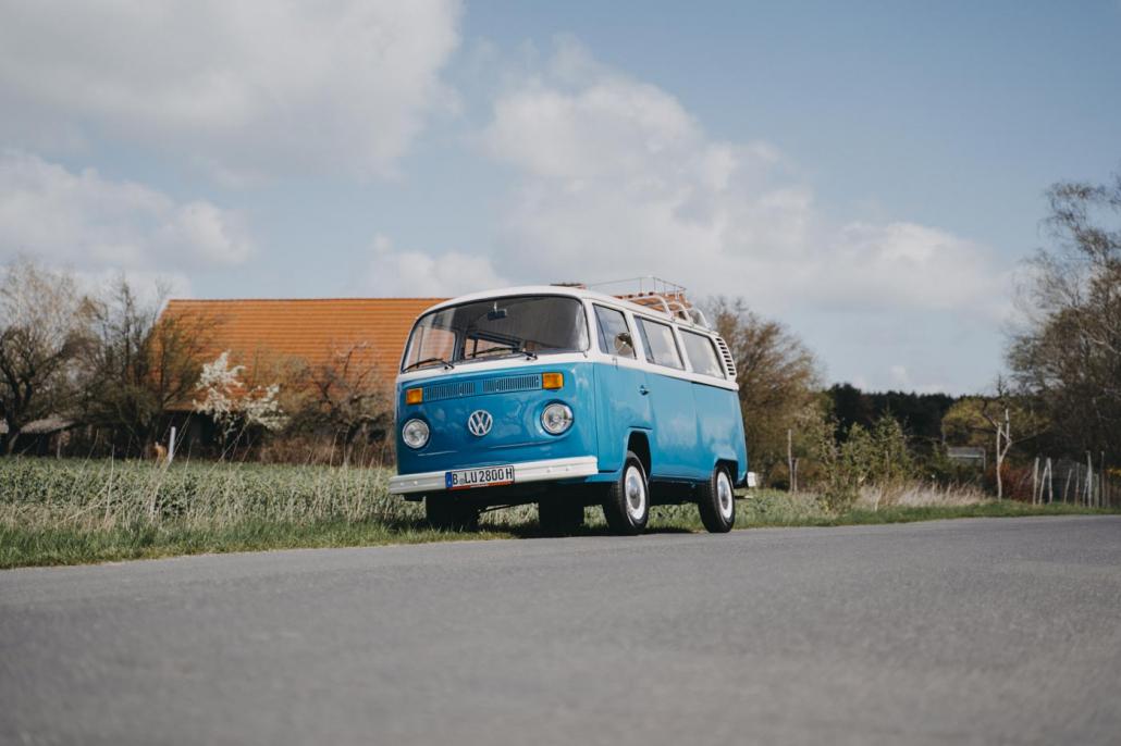 Mrs. Eveline Bulli mieten München Fotobulli Hochzeitsauto Bus Van Photobooth Oldtimer vermietung#1