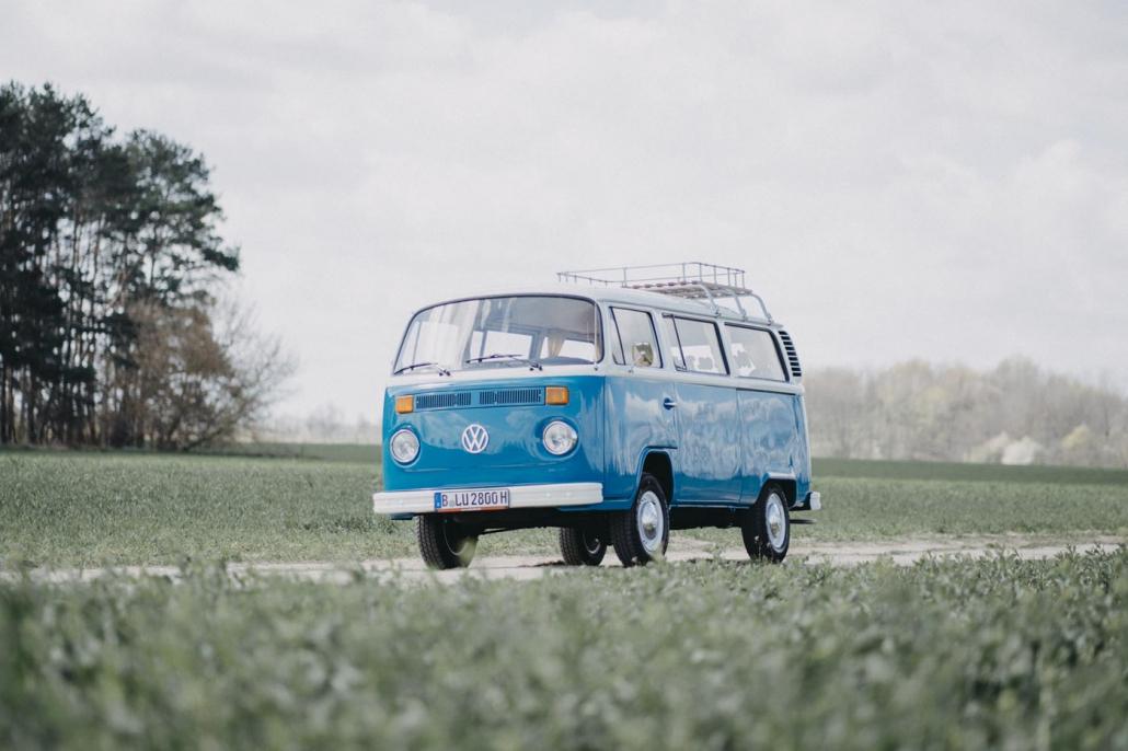 Mrs. Eveline Bulli mieten München Fotobulli Hochzeitsauto Bus Van Photobooth Oldtimer vermietung