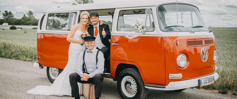Hochzeitsauto mieten T2 Bulli mit Chauffeur VW Oldtimer Brautauto Hochzeitswagen Berlin