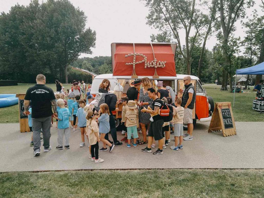 Fotobulli Kinder mieten Geburtstag Kindergarten Schule Fest Feier Sommer Rosemarie
