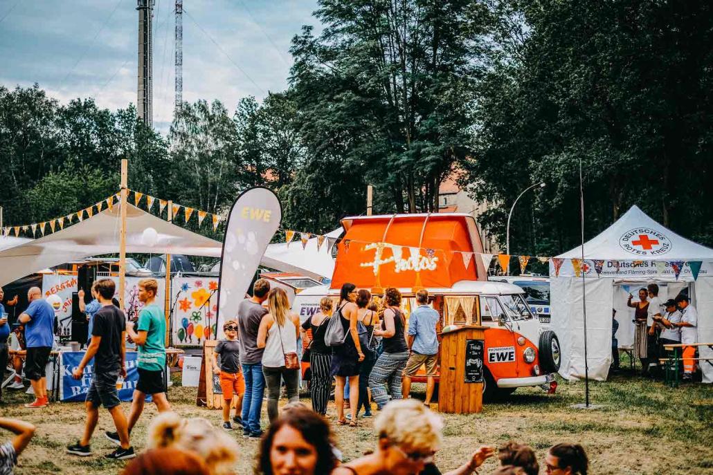 Fotobulli T1 mieten Festival Musik Feier Firmenfeier Rosemarie